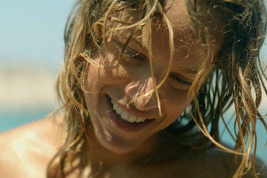 Elli Tringou dans le film grec d'Argyris Papadimitropoulos, «Suntan».