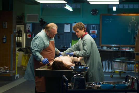 Brian Cox et Emile Hirsch dans le film américain et britannique d'André Ovredal, «The Jane Doe Identity».