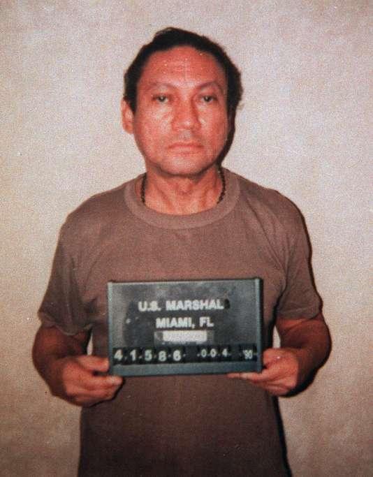 Manuel Noriega lors de son arrivée en Floride.