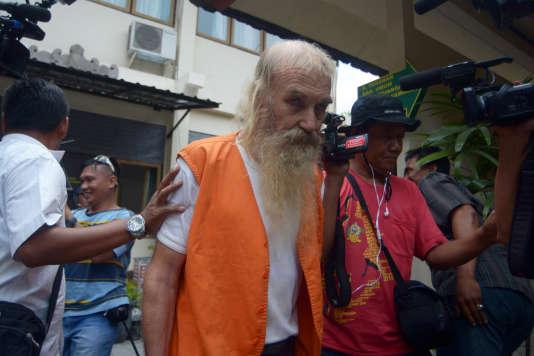 Robert Andrew Fiddes Ellis, un Australien de 70 ans, a été condamné en octobre 2016 à Bali (Indonésie) à quinze ans de prison pour des agressions sexuelles contre onze fillettes et adolescentes.
