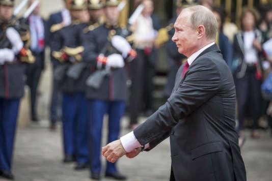 Le président russe Vladimir Poutine au château de Versailles, le 29 mai.