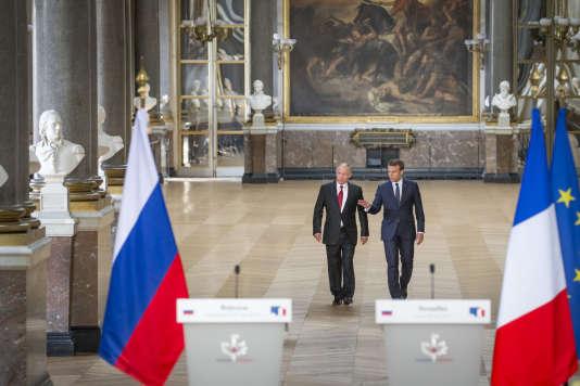 Emmanuel Macron et Vladimir Poutine au château de Versailles, lundi 29 mai 2017.