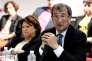 Martine Aubry et Pascal Lamy lors de la présentation des candidats PS aux législatives, à Lille, le 24 mai.