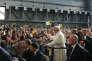 Le pape François, sur le site d'Ilva à Gênes (Ligurie), le 27 mai.