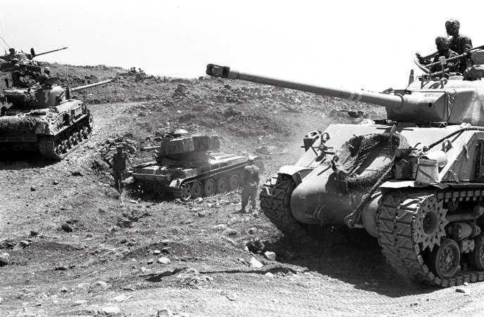 Tanks israéliens le 10 juin 1967,pendant laguerre des Six-Jours.
