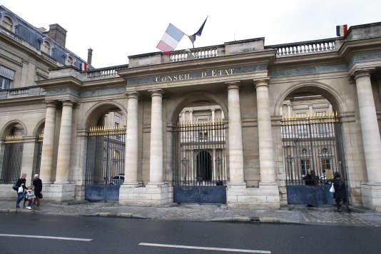 L'instance administrative suprêmea examiné, en séance publique, la requête de deux associations qui demandent la suspension de la circulaire sur le tirage au sort à l'université.