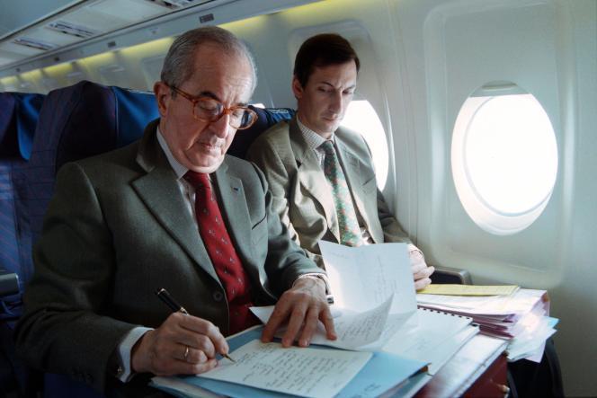 Edouard Balladuret son directeur de cabinet Nicolas Bazire pendant la campagne présidentielle de 1995.