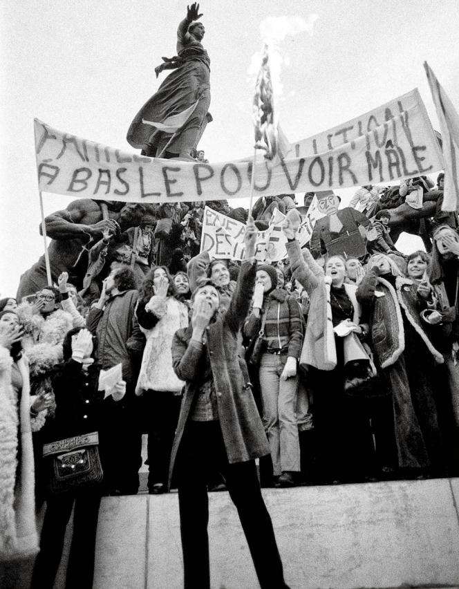 Une manifation des femmes pour le droit à l'avortement, à Paris, dans les années 1970.
