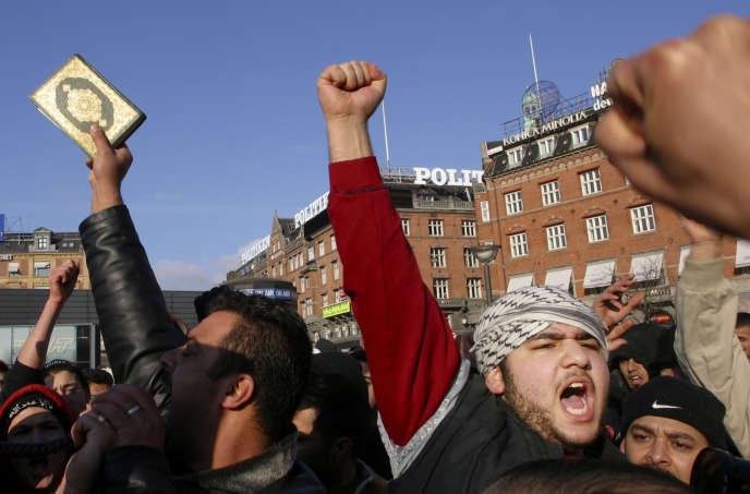 Manifestation contre la publication de caricatures du prophète Mahomet par le journal«Jyllands-Posten», à Copenhague, le 4 février 2006.