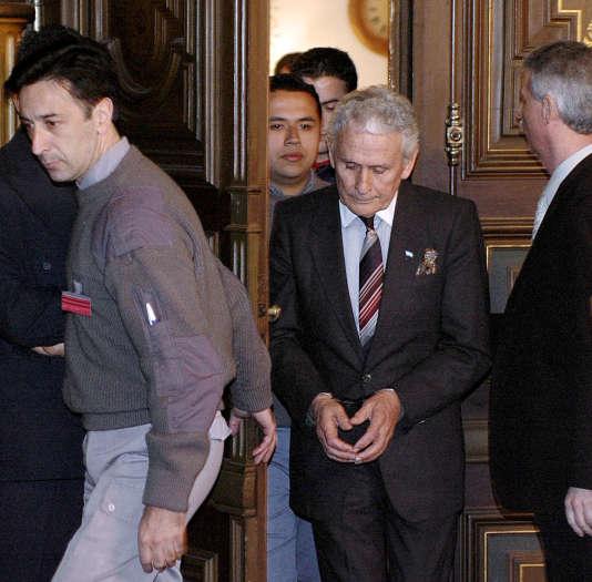 L'ex-policier Miguel Etchecolatz, lors de son procès, en 2006.