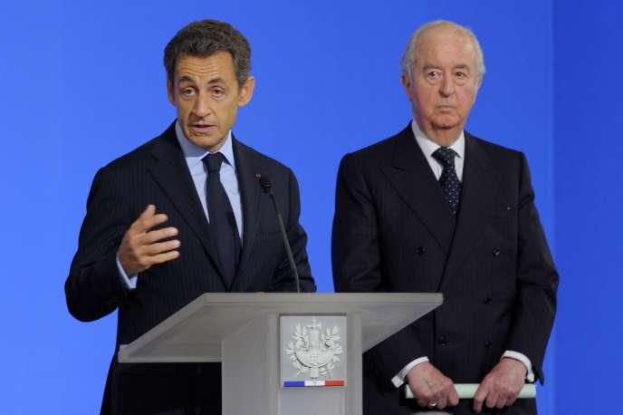 Nicolas Sarkozy (gauche) et Edouard Balladur (droite) le 22 juin 2011.