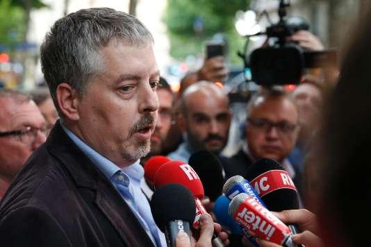 Jérôme Vérité, secrétaire général de la CGT-Transports, à son arrivée au ministère de la transition écologique et solidaire, à Paris le 31 mai.