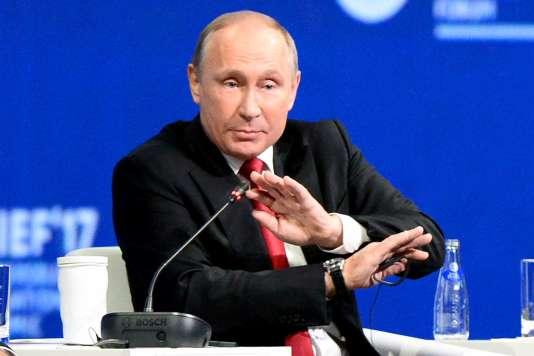 « Ces bavardages inutiles et nocifs doivent cesser », a déclaré, vendredi, Vladimir Poutine à propos des accusations visants l'action de hackers russes.
