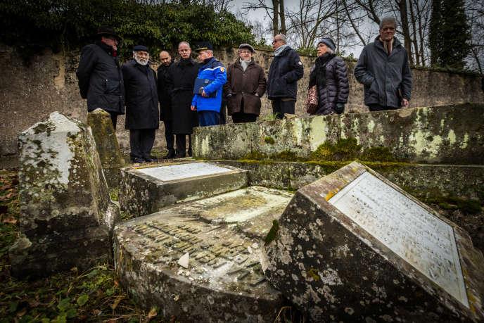 Le cimetière juif de Sarre-Union (Bas-Rhin), profané en février 2015.