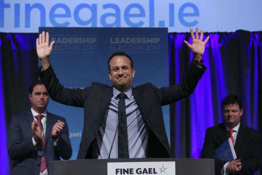 « Pendant trop longtemps, l'Irlande a été divisée entre ceux qui paient pour tout et reçoivent peu en échange, tandis que d'autres sont habitués à recevoir gratuitement et estiment que c'est aux autres de payer», a affirméLeo Varadkar
