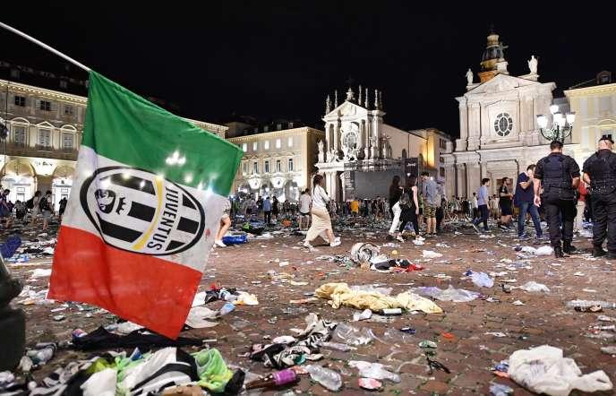 La place San Carlo, à Turin, après le mouvement de foule qui a fait plus de 1500blessés.