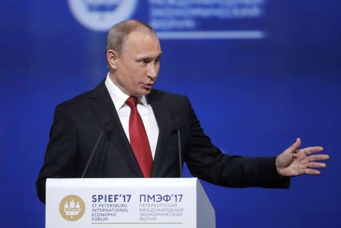 Le président russe, Vladimir Poutine, lors duForum économique de Saint-Pétersbourg, le 2 juin.