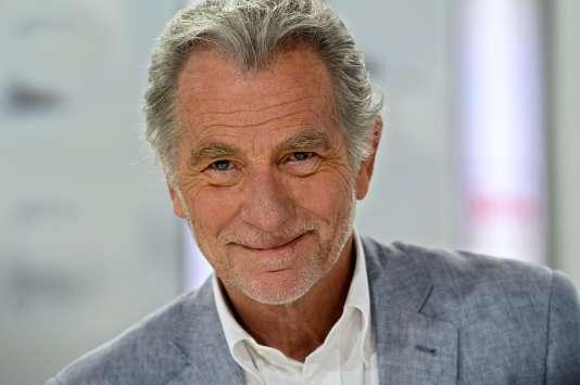 William Leymergie serait en négociation avec le groupe Canal+ pour reprendre la case du midi sur C8.