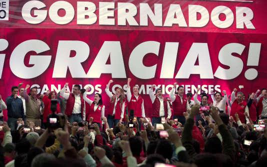 Alfredo Del Mazo, candidat au poste de gouverneur de l'Etat de Mexico, et sa femme, à Toluca dimanche 4 juin 2017.