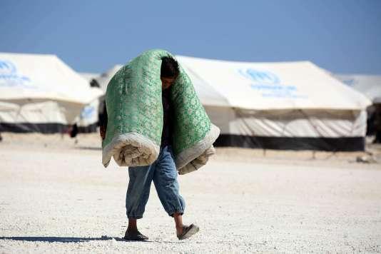 Dans un camp temporaire pour les déplacés, à Ain Issa, près de Rakka, en Syrie, le 3 juin.