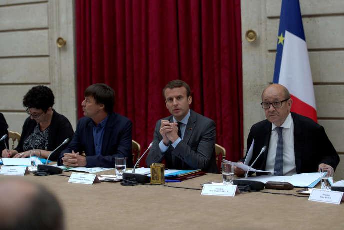 Frédérique Vidal,Nicolas Hulot, Emmanuel Macron etJean-Yves Le Drian à l'Elysée, le 6 juin 2017.