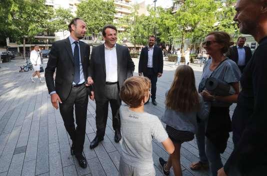 Thierry Solère (LR) et Edouard Philippe, premier ministre, à Boulogne-Billancourt (Hauts-de-Seine), le 5 juin 2017.