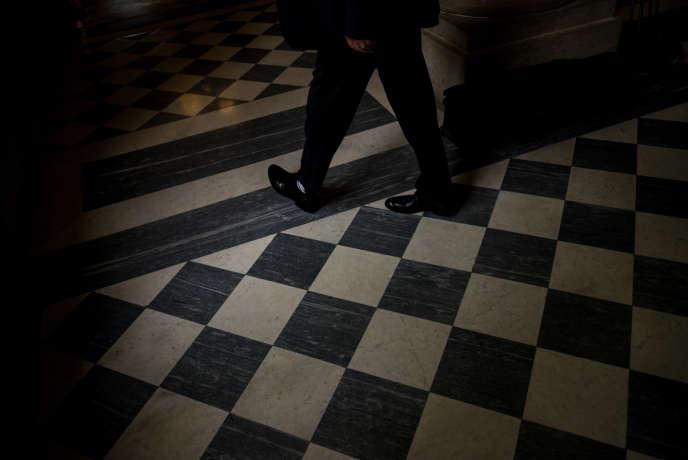 Dans la salle des Quatre-Colonnes à l'Assemblée nationale.