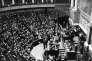 En juin 1936, malgré la nomination par Léon Blum de trois femmes au gouvernement, l'Assemblée nationale ne compte aucune élue