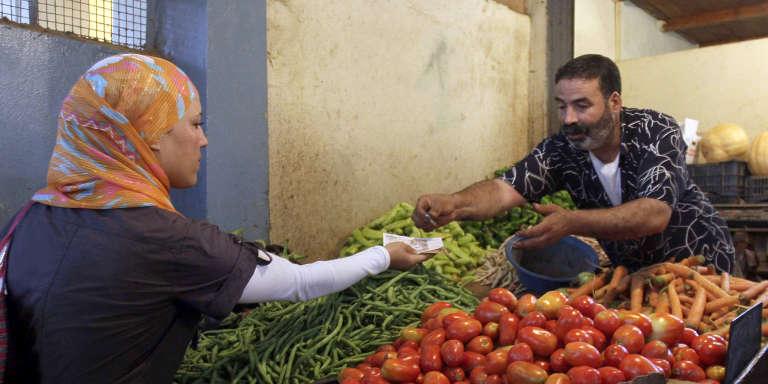 Sur un marché d'Ain Benian, dans la banlieue ouest d'Alger.