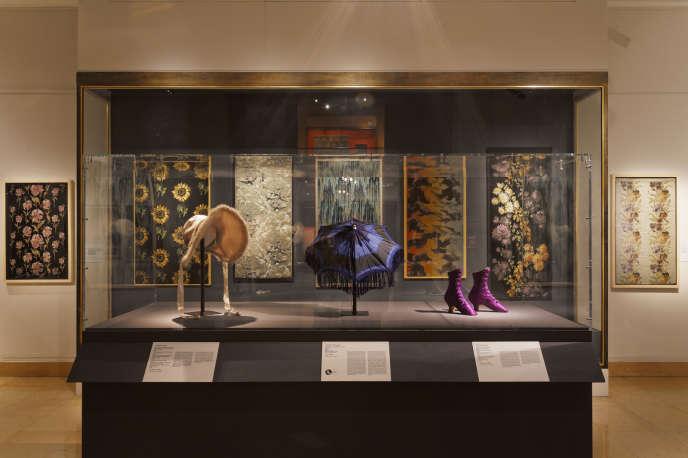 Musée des Tissus de Lyon, textiles précieux et accessoires.