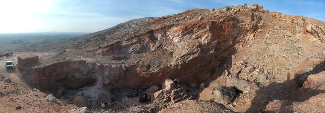 Vue du site de Jebel Irhoud, au maroc. Lors de son occupation humaine, il y a plus de 300000 ans, il s'agissait d'une grotte, détruite par l'exploitation minière.