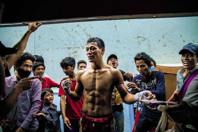 Le pradal serey (également appelé kun khmer) est un combat à mains nues.