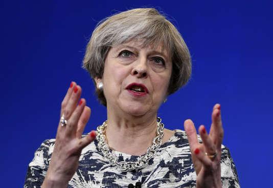 La première ministre britannique Theresa May, en campagne à Norwich, le 7 juin.