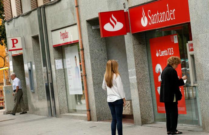 A Barcelone, en Espagne, le 7 juin 2017. La faillite de Banco Popular, reprise par Santander, illustre les efforts de restructuration nécessaires.