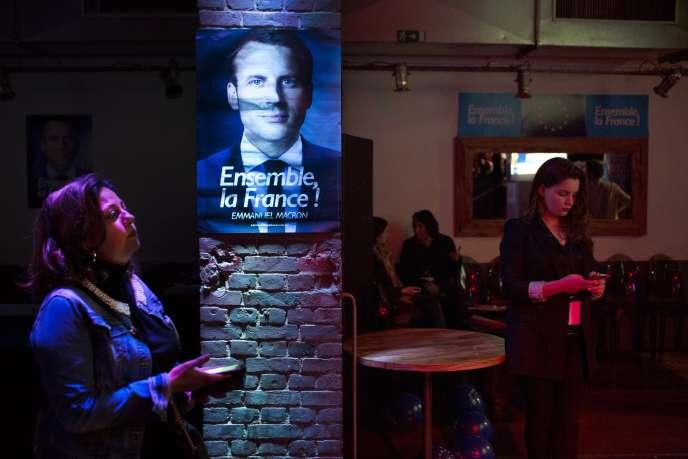 Le soir du débat d'entre-deux-tours, au Loft du Louvre, à Paris, le3mai.
