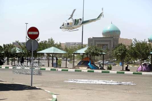 Un hélicoptère de police, le 7 juin à Téhéran.