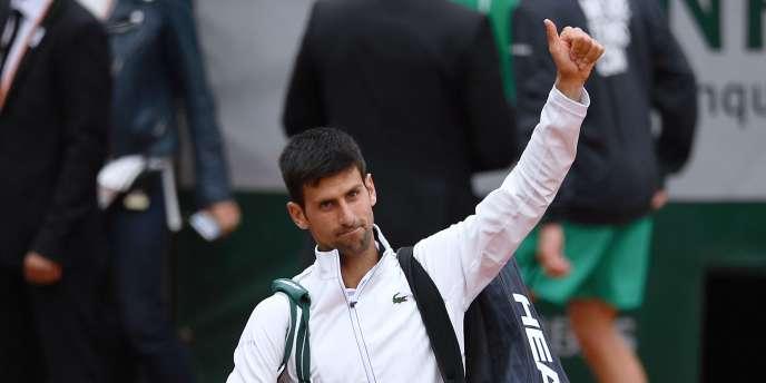 Le Serbe Novak Djokovic quitte le tournoi de Roland-Garros le 7 juin, battu largement par Dominic Thiem.