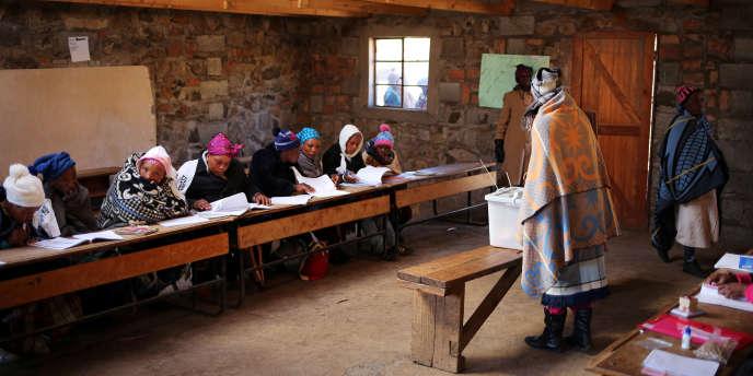 Un bureau de vote à Semonkong, dans le centre du Lesotho, le 3 juin 2017.