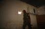 Un membre des Forces démocratiques syriennes dans le quartier de Mechlab, le 7 juin.