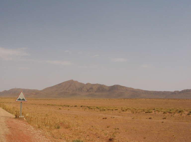 La route vers Figuig, au Maroc.