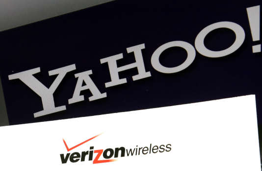 Les logos de Yahoo! et Verizon Wireless.