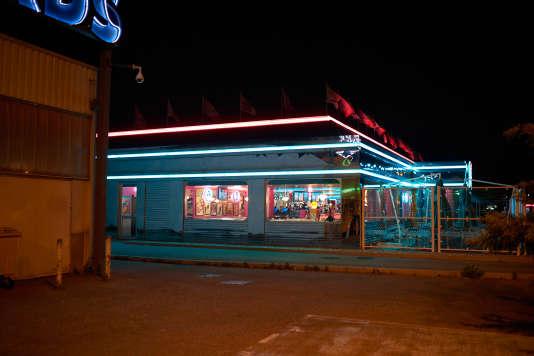 La ZAC, la nuit.