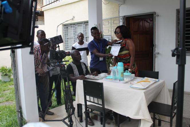 Tournage de la série« ma grande famille» à Abidjan, en juin.