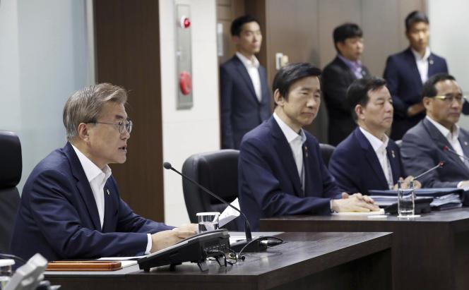 Le président sud-coréen Moon Jae-in (à gauche), le 8 juin à Séoul.