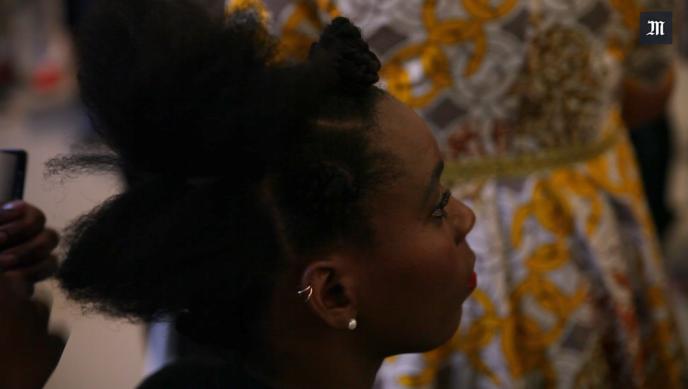 Séance de «hairstyle» à la Fondation Louis Vuitton à Paris, le 2 juin 2017.
