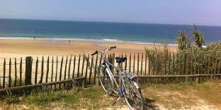 Sur la côte nord-ouest de l'île,la plage des huttes offre 5 kmde sable fin.