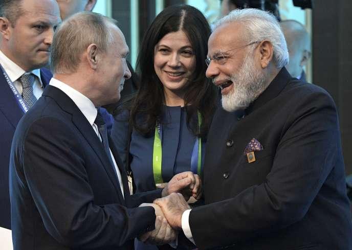 Vladimir Poutine et Narendra Modi, le 9 juin à Astana.