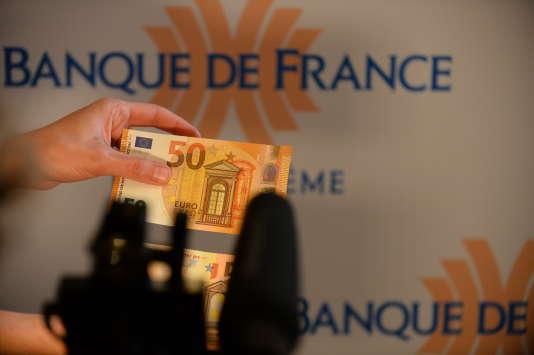 Présentation du billet de 50 euros au siège de la Banque de France, à Paris, le 3 avril.