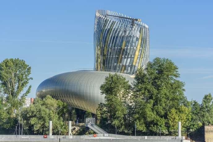 La Cité du vin, inaugurée il y a un an, n'est pas dédiée aux seules productions du Bordelais mais au vin en général.
