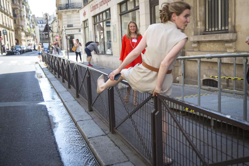 Nathalie Kosciusko-Morizet, candidate aux législatives dans la deuxième circonscription de Paris, fait le tour des bureaux de vote du 5e arrondissement.Elle était dimanche soir en ballottage très défavorable.
